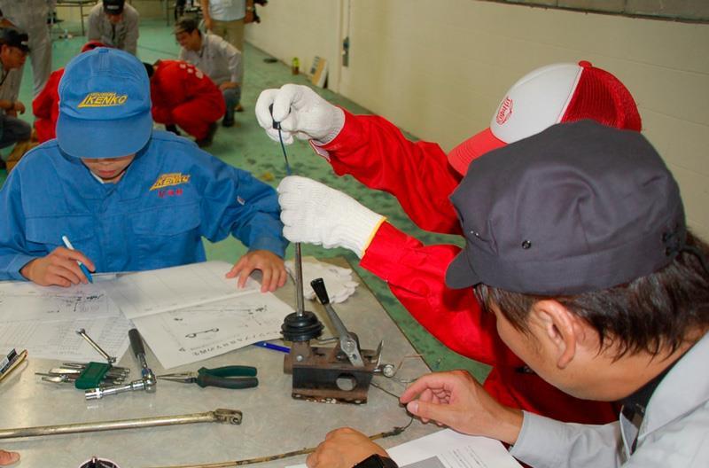 bb1d36fcc04de The second group set about lapping the engine valve