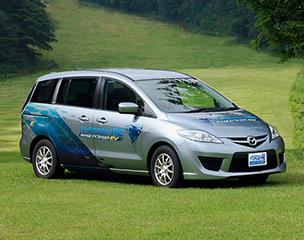 """Mazda Premacy Hydrogen RE Range Extender EV"" based on ""Mazda Premacy Hydrogen RE Hybrid"". It adapts plug-in-system, a larger high-voltage battery and a thermal efficiency-improved engine."