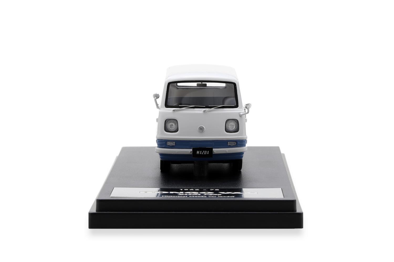 BONGO VAN モデルカー 1/43 100周年限定モデルのフロントビュー