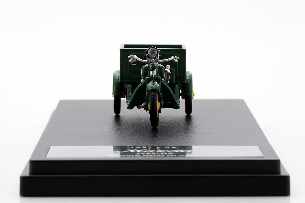 DA型三輪車 モデルカー 1/43 100周年限定モデルのフロントビュー