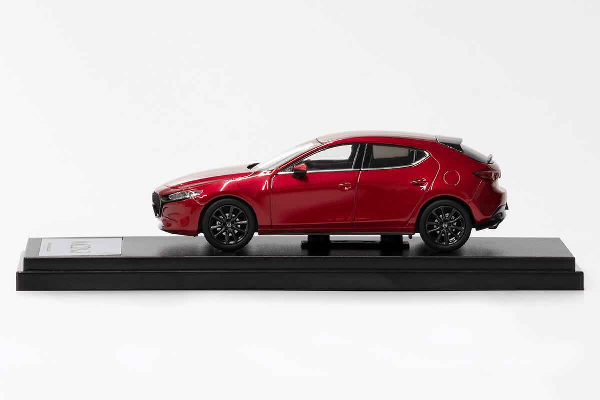 MAZDA3 モデルカー 1/43 100周年限定モデルのサイドビュー