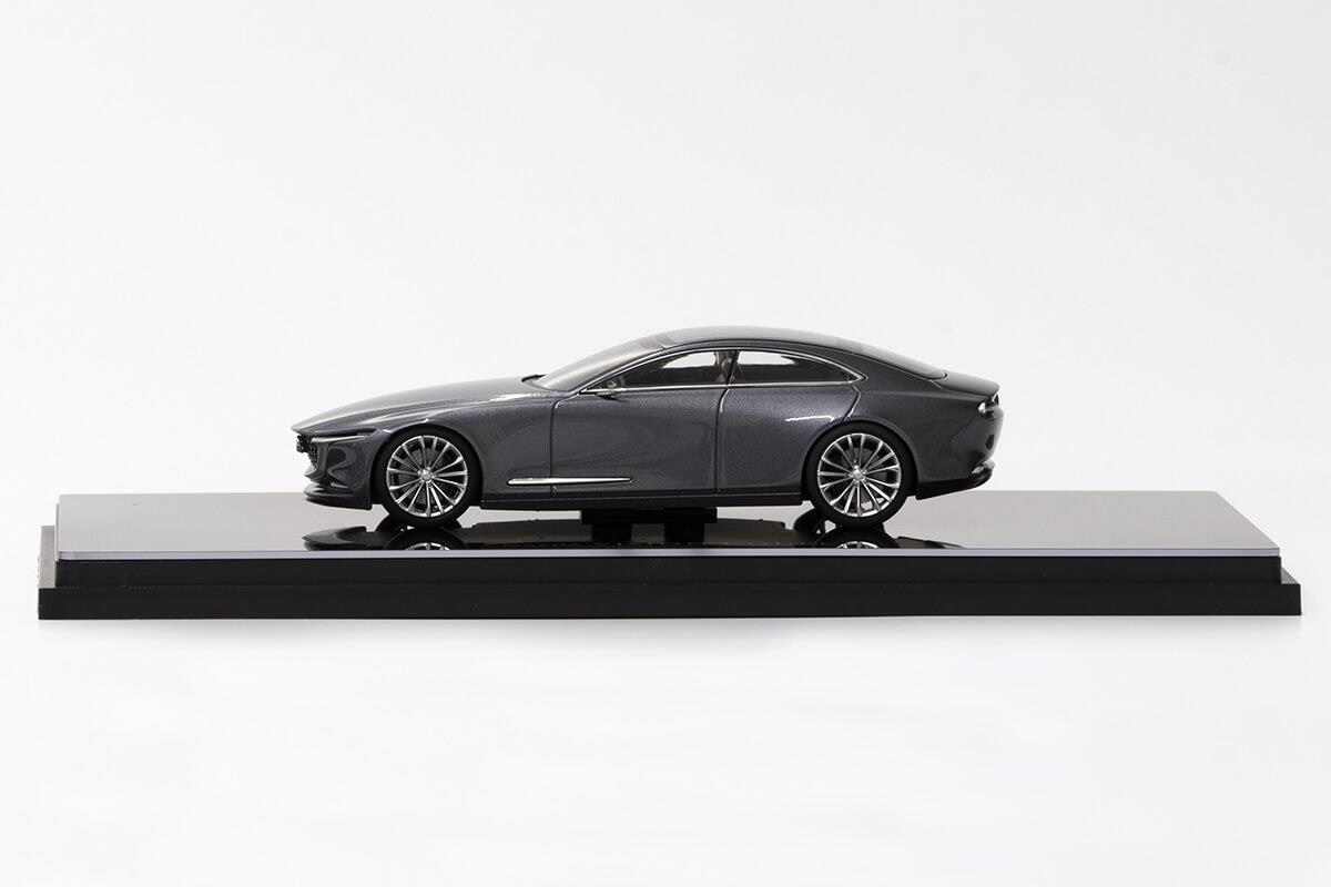 VISION COUPE モデルカー 1/43 100周年限定モデルのサイドビュー