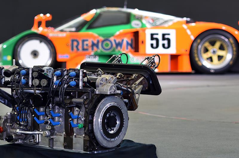 「R26B 4 ローターロータリーエンジン」ページ公開