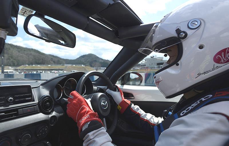 参加受理書が届いたら内容をよく読んで、レース当日いざサーキットへ