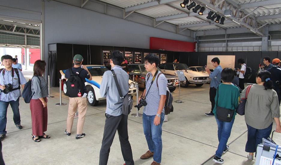 レストア車両の展示と写真撮影&お客様との思い出発掘